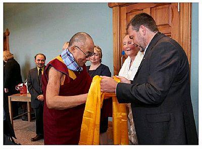 calum findlay meets dalai lama 2012