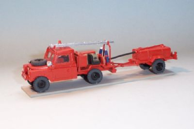 bw177. land rover series 2 fire truck with scottorn trailer  - �14.00