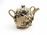 Frogs teapot