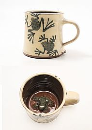 Frog mug with a frog in