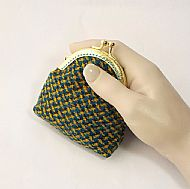 Harris tweed kiss clasp purse yellow blue