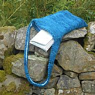 Blue knitted shoulderbag