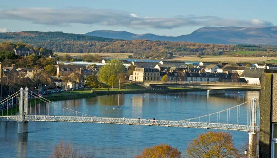 view of the riuver from 401 by the bridge, inverness