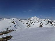 The ridge to Mullach Fraoch-choire from A'Chralaig