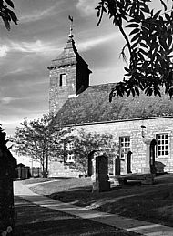 auchterhouse church in black and white