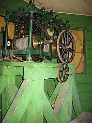 Clock mechanism (photo 2)