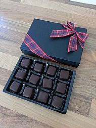Chocolate-coated peppermint tablet squares