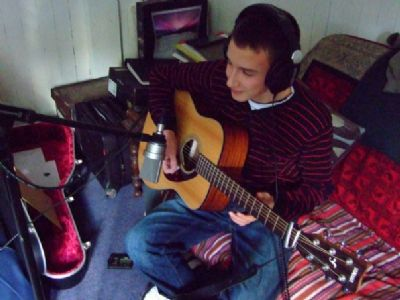 alasdair turner playing with charlie mckerron in his studio