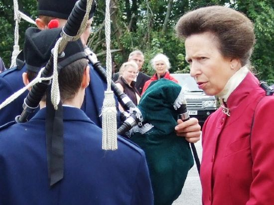 talking to the proncess royal on her visit to alness