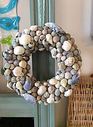 Shell wreath £12.99