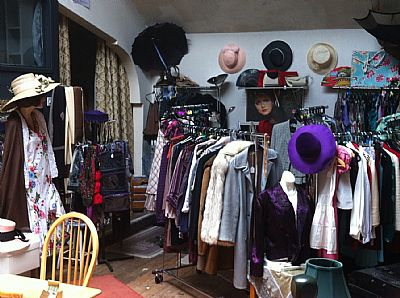 vintage frippery @ the old sale rooms, wellington