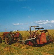 HPA760   Tractor & Binder @ Harper's Field, Quivals