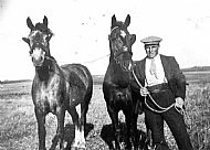 HPA777   John Dearness, Quoyleyland. Horse Ploughing Champion
