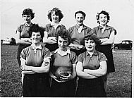HPA001   SANDAY NETBALL TEAM c1957/58