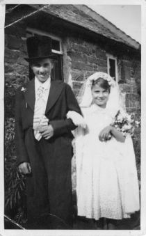 HPA004: CORONATION DAY,  2nd June, 1953 Lochend, Evelyn and Irene Sinclair