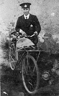 HPA334   Andrew Sinclair, Postman