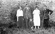 HPA583   Alice, Fraser, Lydia & Hugh at Warsetter