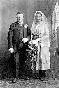HPA613   Mr & Mrs J Wallace