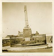 HPA058 War Memorial, Lady
