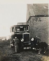 HPA572   Car at Warsetter, Hugh Horne in driving seat?