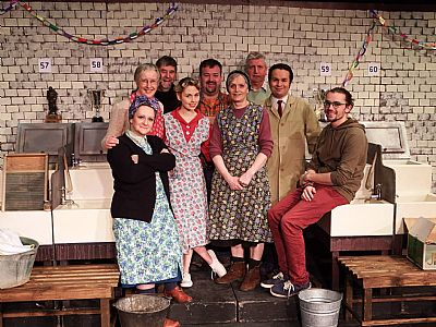 cast of the steamie, act 1