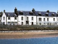 the royal hotel from cromarty harbour
