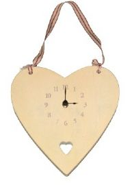 WOODEN HEART CLOCK