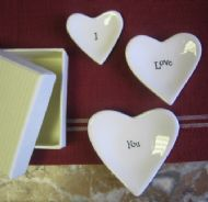 SET OF 3 LITTLE CERAMIC HEART  DISHES - I LOVE YOU