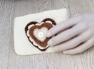 felt purse with applique hearts by roses felt workshop