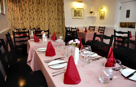 the elphinstone hotel dining room - copyright of lindsay addison