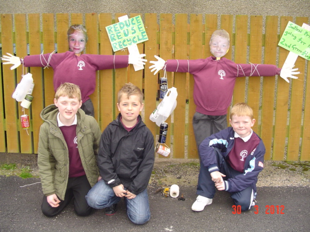 documents/southend%20primary%20school/scarecrows%20007.jpg