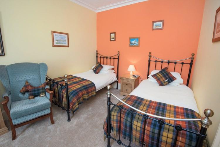 sydney house b&b cromarty - sutor bedroom