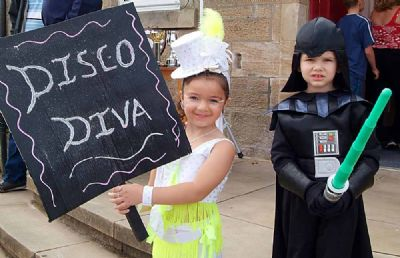 disco diva and darth vadar