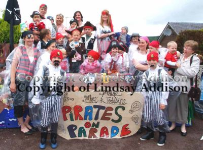 petit pirates on parade