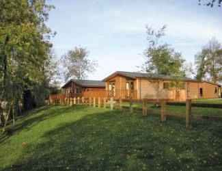 wicsteed park lodges in northamptonshire
